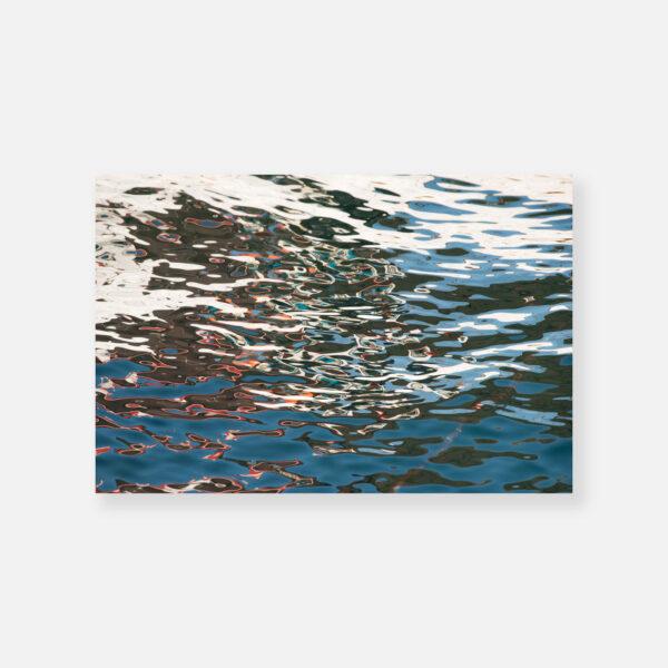 Αντανάκλαση βάρκας - © Θεόδωρος Παπαγεωργίου